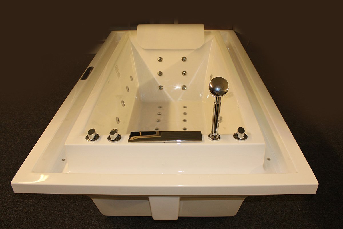 deluxe jetted - Jetted Bathtub