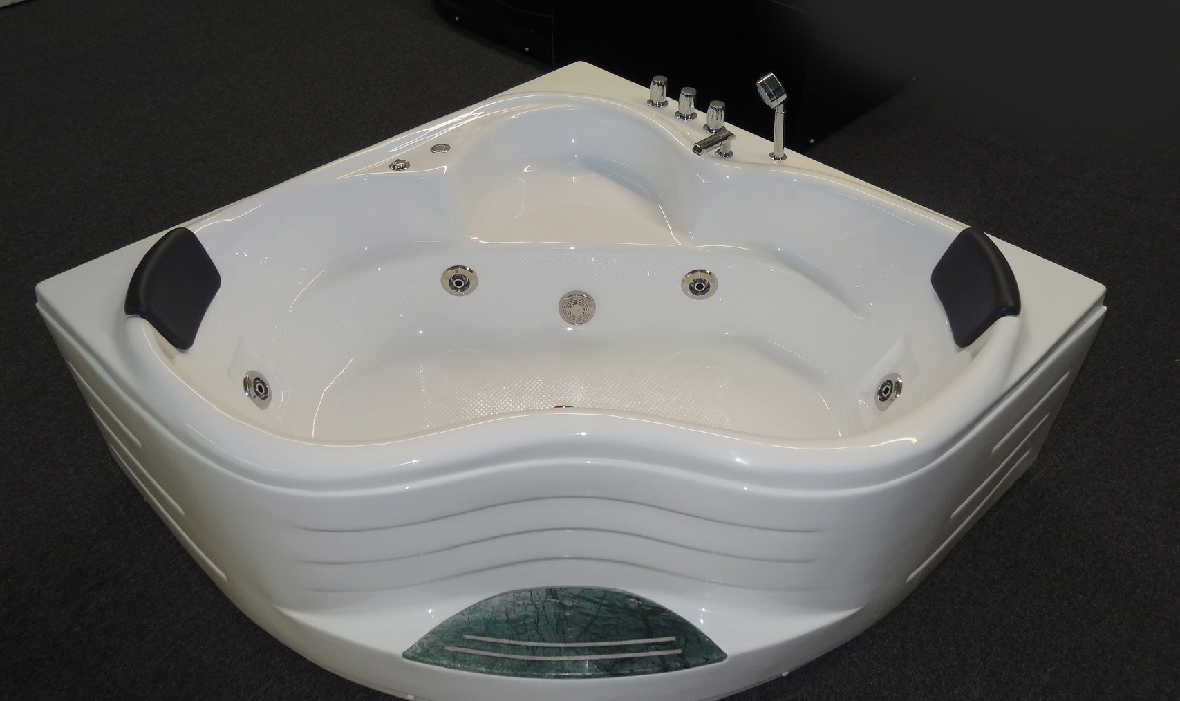 Jetted bathtub free aquatica pamela wht spa jetted for Whirlpool tubs on sale
