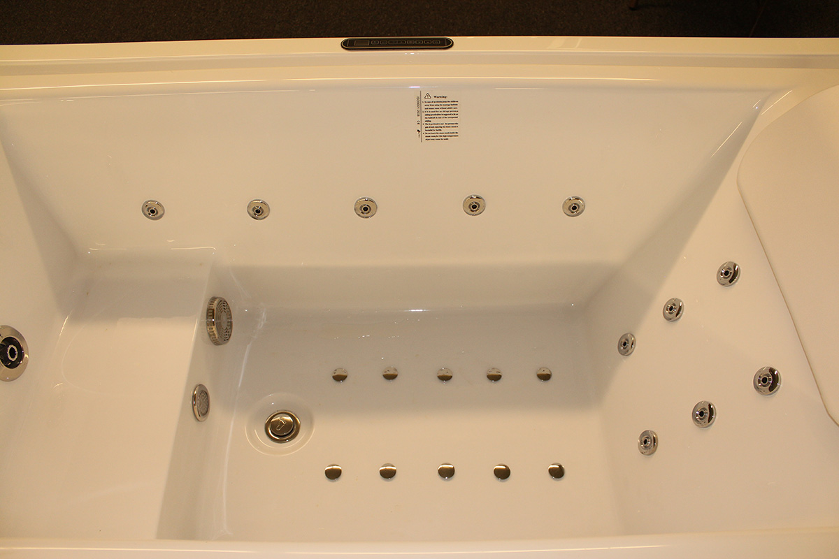 Deluxe Hydromassage Jetted Bathtub Whirlpool M1910 D
