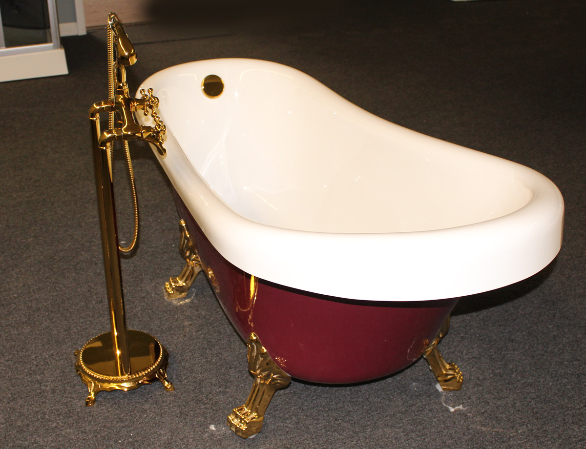 ... Classic Clawfoot Tub W/ Regal Brass Lion Feet, Gold Telephone Style Tub  Faucet ...