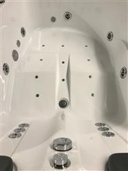 2 PERSON JETTED BATHTUB w/Air Jets,heater C022R - Image 6